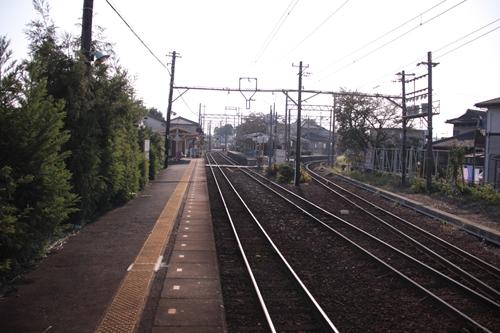 日永駅1番線ホーム内部方面