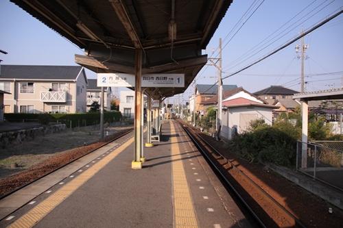 泊駅ホーム近鉄四日市方面
