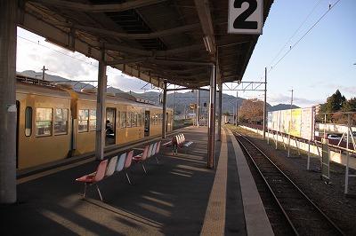 貴生川駅ホーム2番線八日市方面
