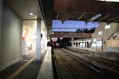八日市駅駅舎側ホーム貴生川方面