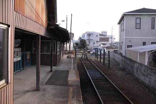 紀州鉄道線西御坊駅ホーム終点方面