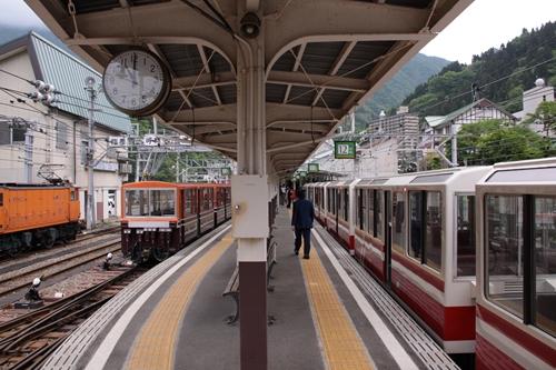 宇奈月駅ホーム黒薙方面