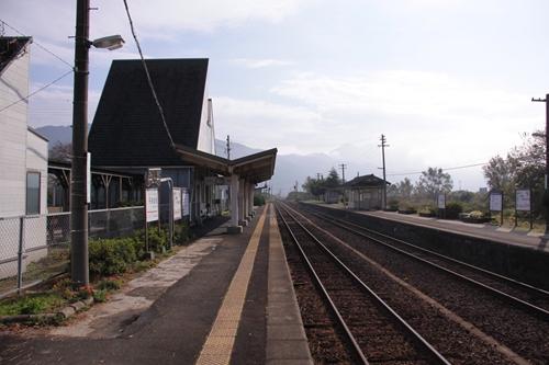 丹後由比駅1番線ホーム西舞鶴方面