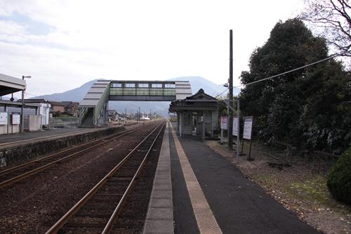 栗田駅2番線ホーム西舞鶴方面