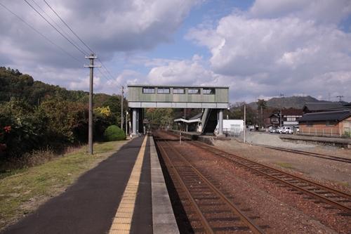 栗田駅2番線ホーム豊岡方面
