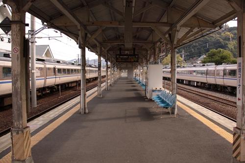 天橋立駅2番線・3番線ホーム西舞鶴方面