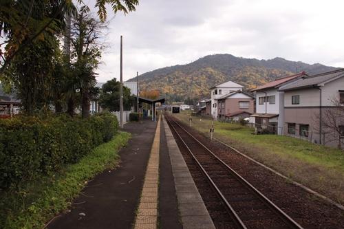岩滝口駅ホーム西舞鶴方面