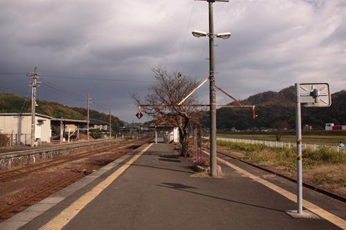 野田川駅2番線・3番線ホーム西舞鶴方面