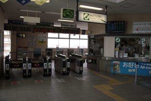 篠ノ井駅改札口