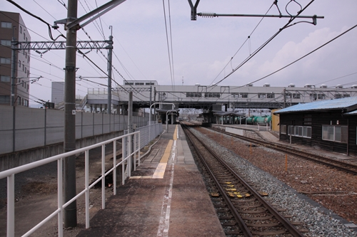 篠ノ井駅ホーム軽井沢方面