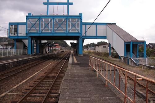峰山駅2番線・3番線ホーム豊岡方面