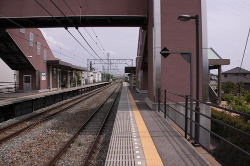 屋代高校前駅1番線ホーム篠ノ井方面