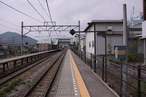 屋代高校前駅2番線ホーム軽井沢方面