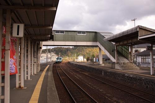 網野駅跨線橋正面