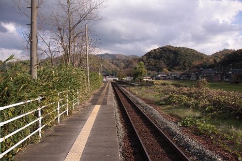 木津温泉駅ホーム西舞鶴方面