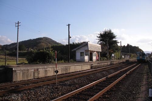 丹後神野駅2番線ホーム全景