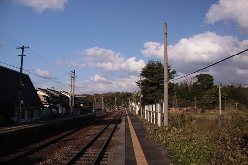 丹後神野駅2番線ホーム西舞鶴方面