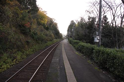 甲山駅ホーム豊岡方面