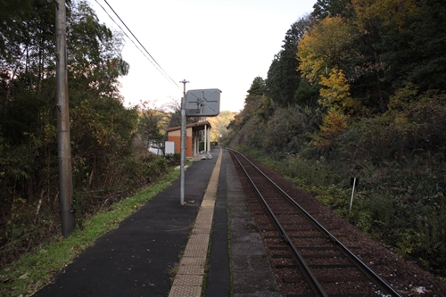 甲山駅ホーム西舞鶴方面
