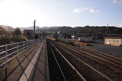久美浜駅2番線・3番線ホーム豊岡方面