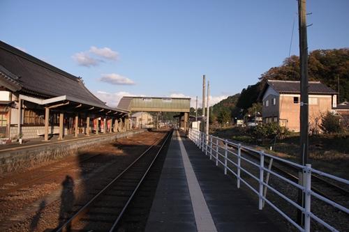 久美浜駅2番線・3番線ホーム西舞鶴方面