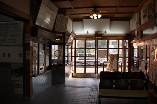 久美浜駅駅舎改札口