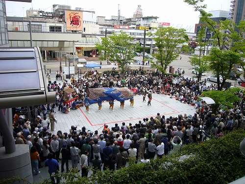 H210503高岡獅子舞競演会渋江獅子方ウィングウイング前での