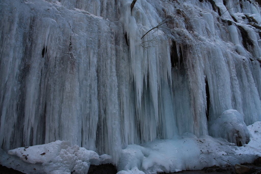 湯川渓谷の氷柱