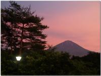 黄昏時の富士