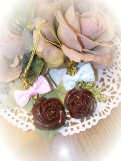 バラのチョコストラップ