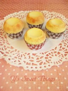焼き上がりカップケーキ