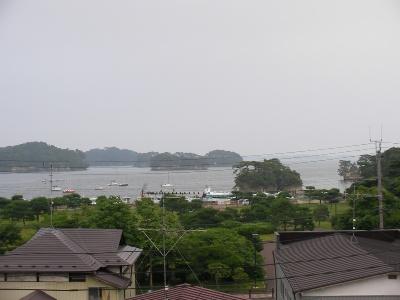 旅館の窓から見た松島