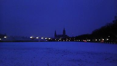 Shrunk ミュンヘン 広場から城