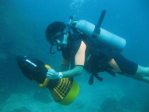 タオ島 ダイビング 水中スクーター