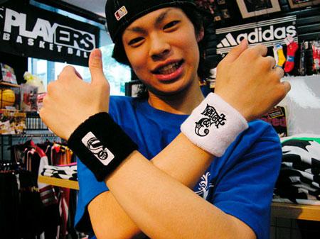 cohey_wristband02.jpg