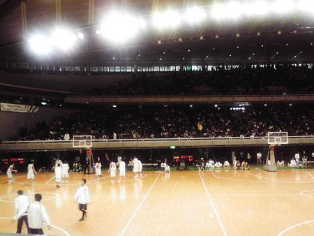 tokyo_gym_audience.jpg