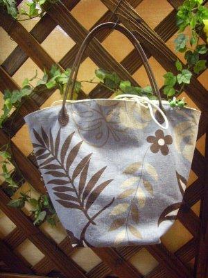 ハワイアン調のバッグ400