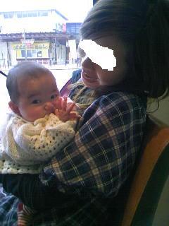 2月27日たけ子さんに抱かれて