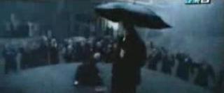 雨の中戦ってはります