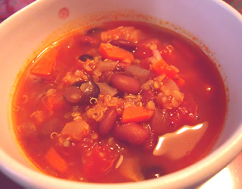 キヌアと豆のスープ