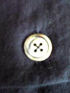 カーディガンのボタン