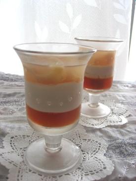 桃と紅茶の3層ゼリー