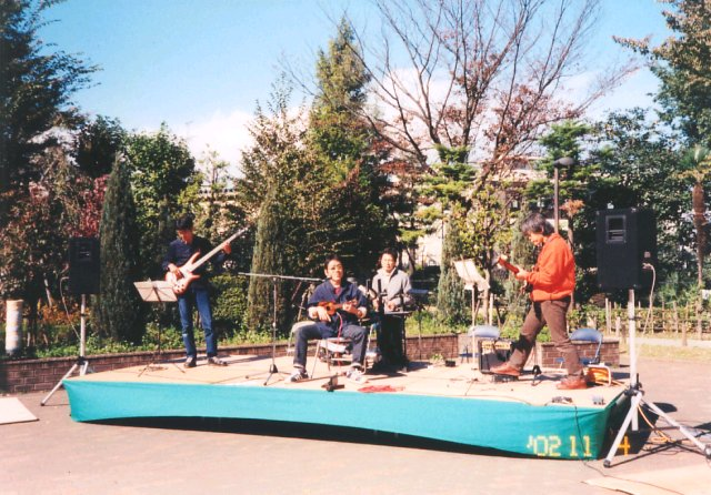 りびけんバッチリキメターズ in 立川国際芸術祭