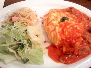 グリルキッチンせんごくのトマトクリームオムランチ