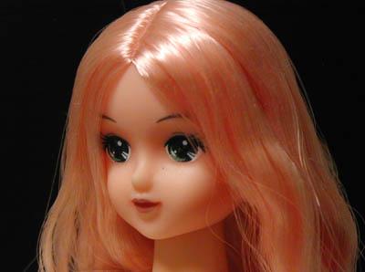 ピンク髪フローラさん。