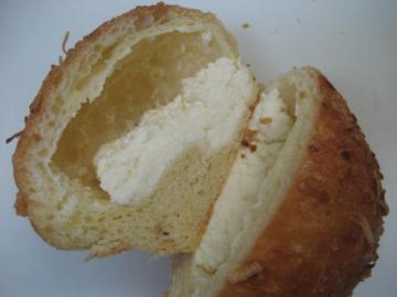 ココナッツパン切り口