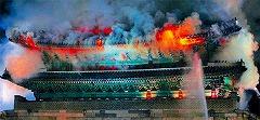 ソウルの象徴南大門、火災で全焼