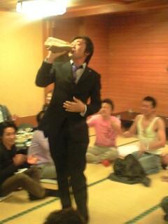 金子委員長飲む