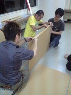 作業工程にあたるメンバー1