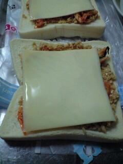 とどめはとろけるチーズで
